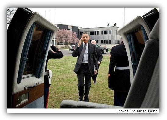 Барк Обама с iPad 2